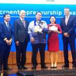 2019 Citi Microentrepreneurship Awards National Winner Eduardo Azores (center) of Koronadal City, South Cotabato