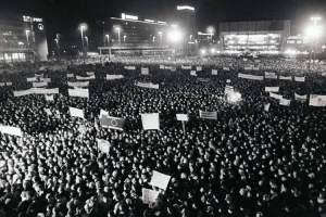 BBC: como la oración derribo el muro de Berlín