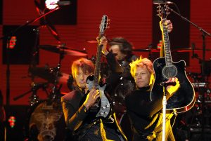 Richie Sambora, Bon Jovi grubuyla dünyaca ünlü bir isim haline geldi.