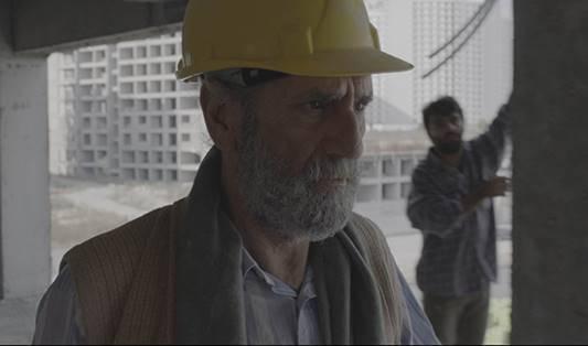 Menderes Samancılar'ın oynadığı İbrahim ve yeğeni Yusuf İstanbul'da bir lüks konut şantiyesinde işçi olarak çalışmaktadır. İbrahim'in hayatı akciğer kanseri olduğunu öğrendiğinde büyük bir değişime uğrar.