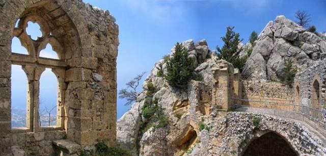 St. Hilarion Kalesi, Girne-Sağda (10.-11. yy.)