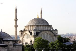 nuruosmaniye-camii-minare-kubbe-1200x800
