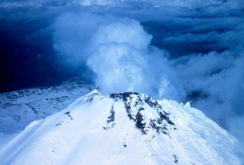 volcán simbolizando tocarme los pezones