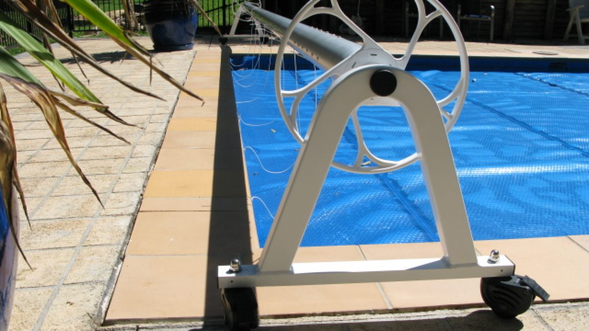 Cover Automatic Pool Roller