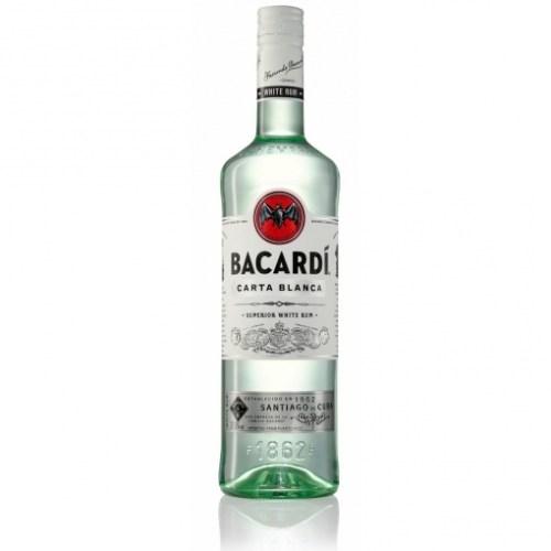 Botella de ron bacardi