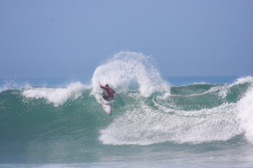 Kolohe Andino of San Clemente defeated Travis Logie (ZAF) in Round 2 competition at the Hurley Pro Trestles on Tuesday, Sept. 16. Photo: Andrea Swayne
