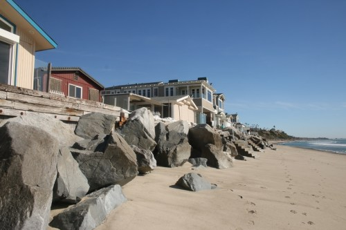 Capistrano Shores residents are fighting for their right to maintain and protect their coastal-adjacent homes, as policies from the California Coastal Commission could force them to relinquish certain protective provisions. Photo: Eric Heinz