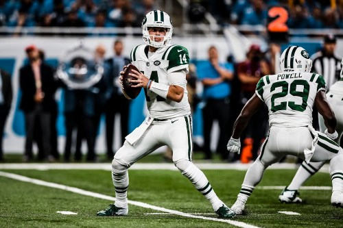 San Clemente High School alum Sam Darnold was drafted No. 3 overall by the New York Jets in the NFL Draft in April. Darnold was named the youngest opening-game starting quarterback in NFL history and won his debut. Photo: New York Jets