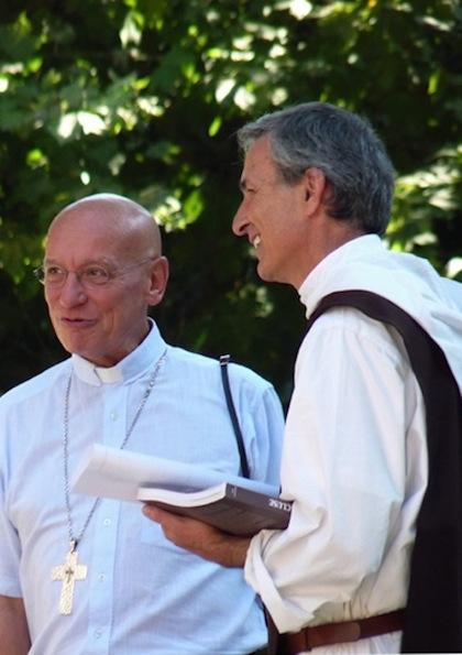 Mgr André Marceau avec père Emmanuel-Marie
