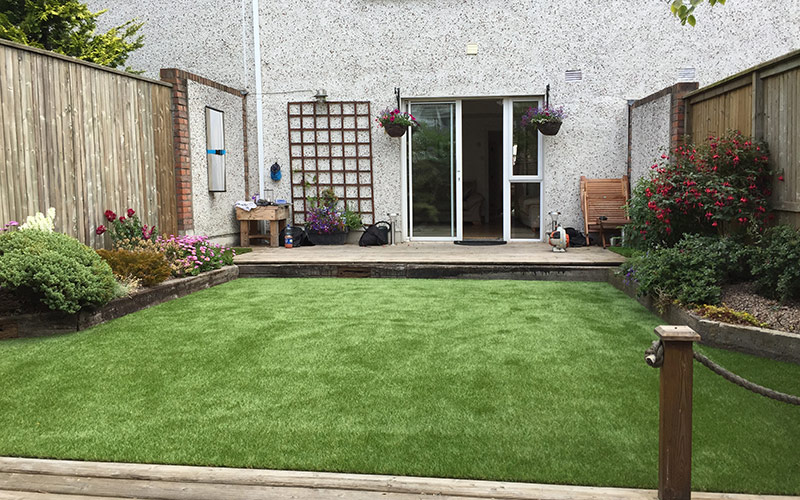 Artificial grass for small back garden on Tiny Back Garden Ideas id=79966