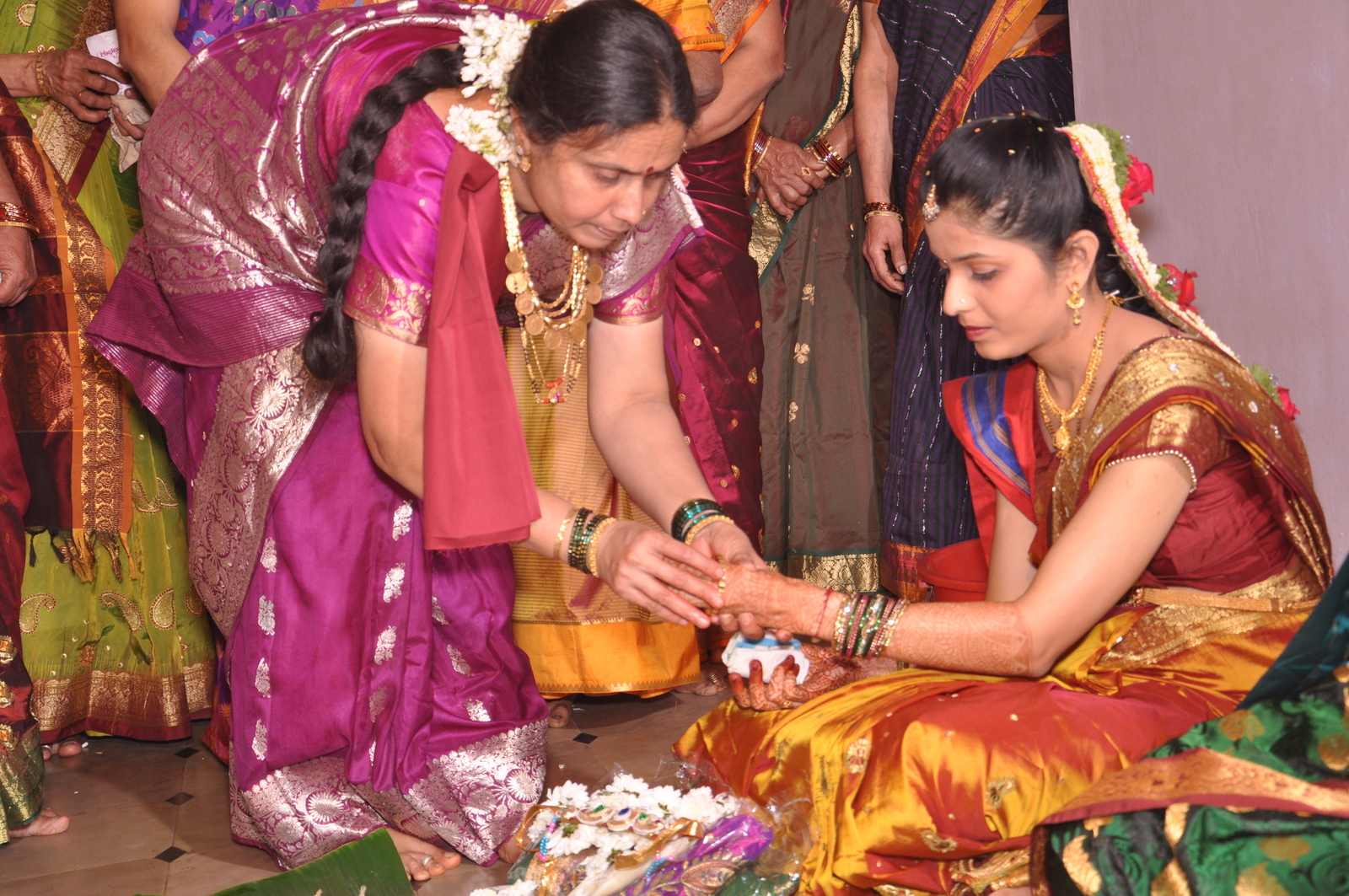Gifts Of Gold To Bride In Wedding