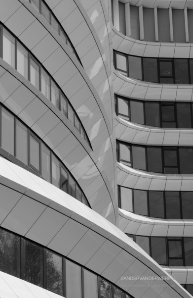 DUO building with curves and lines.