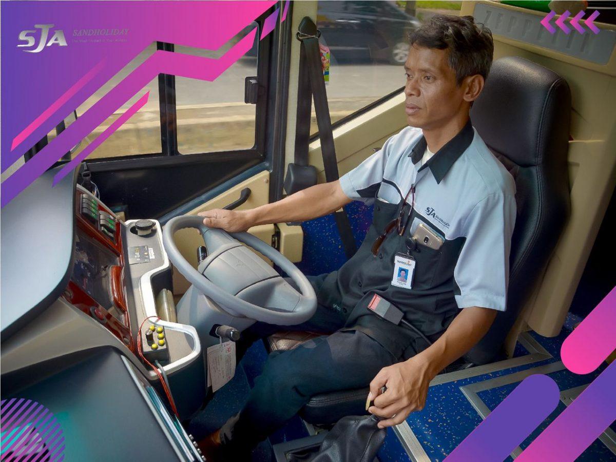 Bus Pariwisata Gede Bali