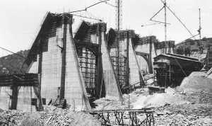 Abandoned Sutherland Dam, 1930s.