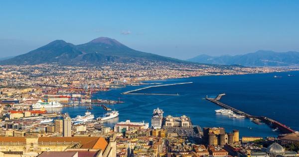 Nápoles - quem visita chora duas vezes, diz o ditado popular