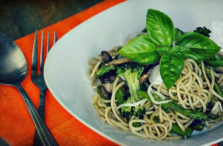 Green Summer Spaghetti with Vegetables