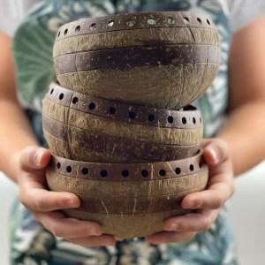 Dizajnová kokosová miska – dierkovaná
