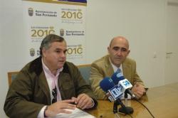 El alcalde y Manuel Prado informan de las parcelas de equipamiento que contempla el PGOU