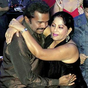 http://sundaytimes.lk/120108/images/Karuna-@-Ramada-Dance.jpg