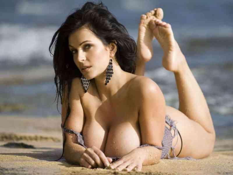sexy-women-bikini-beach-lying-in-the-summer-of-1985-split-croatia1