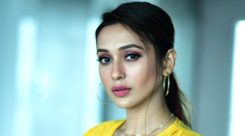 Mimi Chakraborty stuns fans with her new look | Sangbad Pratidin
