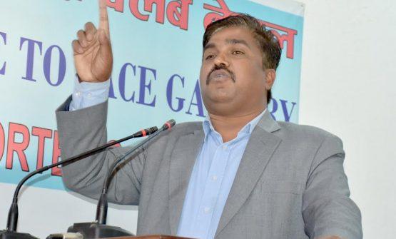 राजपा फुटको सङ्हारमा, निर्वाचनमा जाने बारे बिबाद , अहिले राजधानिमा बैठक बस्दै