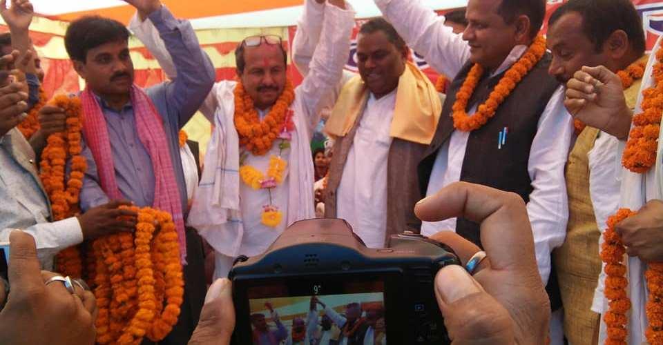 बिधायक अब्दुर (फुलबाबु), र राजपाका केन्द्रीय सदस्य दाससगै हजारौले गरे फोरममा प्रवेश