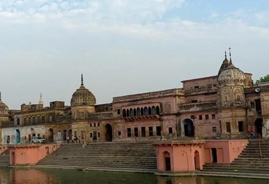 राम मन्दिरको फैसला हिन्दुको पक्षमा, यस्तो थियो बिबाद, दंगामा २ हजारले गुमाएका थिए ज्यान