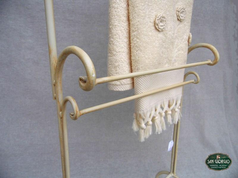 Porta Asciugamani Bagno Da Muro : Porta asciugamano su due livelli modello altof san giorgio