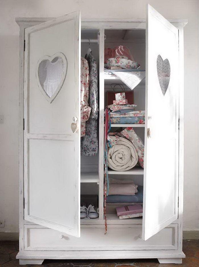 8 elementi d 39 arredo per la camera da letto della tua principessa san giorgio - Maison du monde armoires ...