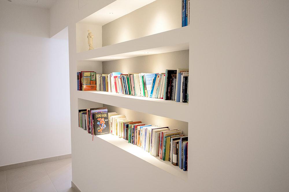 piccola libreria interna casa san giuseppe