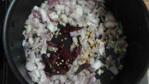 Keerai poriyal -red chilli
