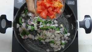 Thattapayaru kuzhambu -tomato