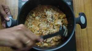 Prawn biryani -mix the rice