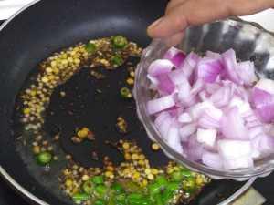 Egg poriyal -onions