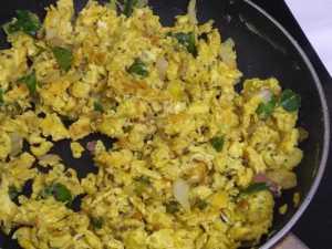 Egg poriyal -leaving the pan