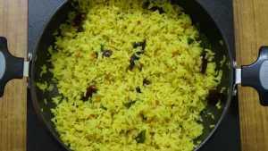Varutha puli sadam -fry in oil
