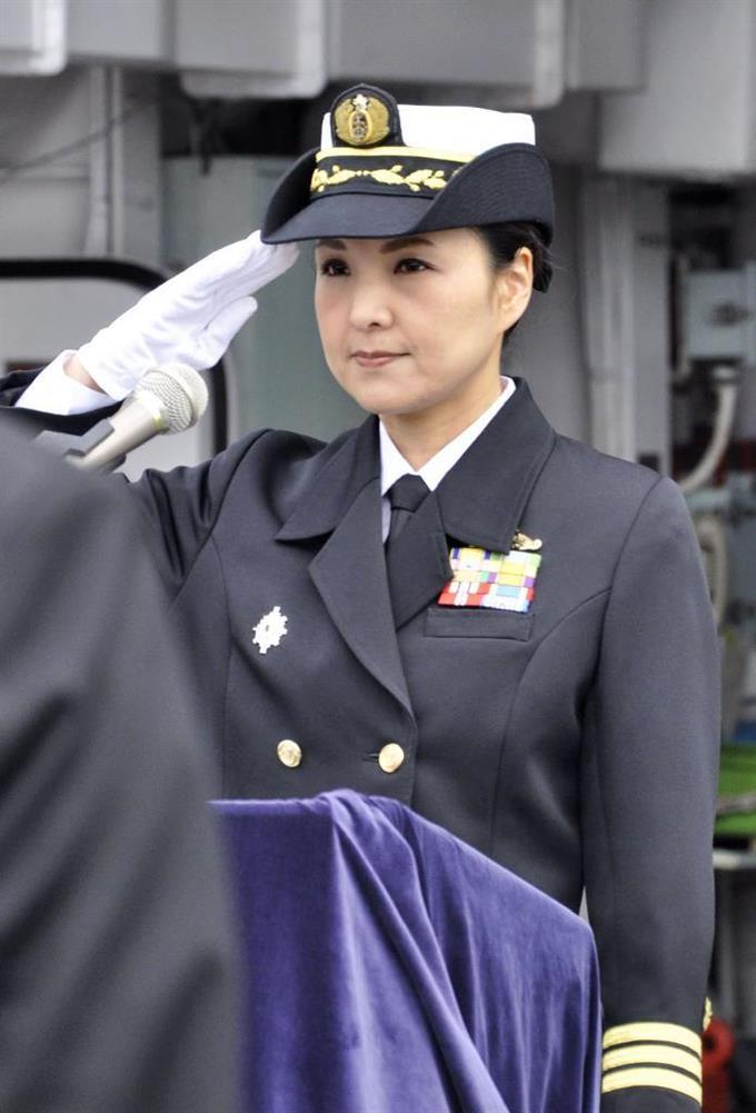護衛艦に初の女性艦長 海自橫須賀基地 - サッと見ニュース ...