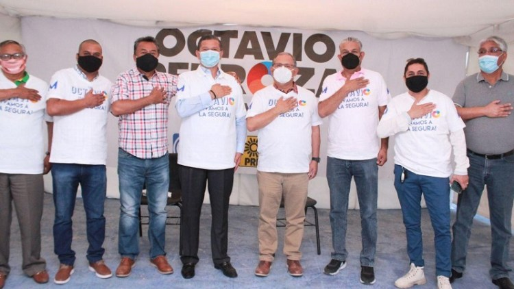 Maestros del SNTE y líderes magisteriales se suman a Octavio Pedroza