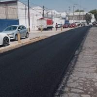 Ayuntamiento de Soledad rehabilita carriles laterales de carretera a Matehuala