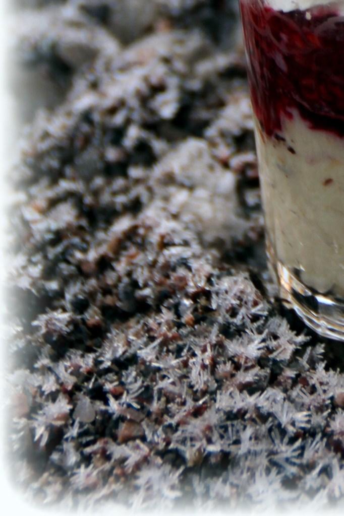 ostkaka och rårörda hallon i glas 007_007