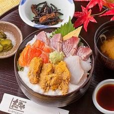 南三陸キラキラ秋旨丼【季節料理 志のや】