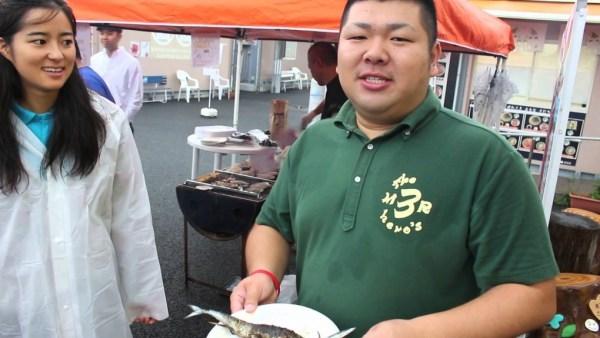 食べれるのは『さんさん朝市』だけ!!『さんさん朝市』限定のセルフ炭焼きコーナー(≧▽≦)