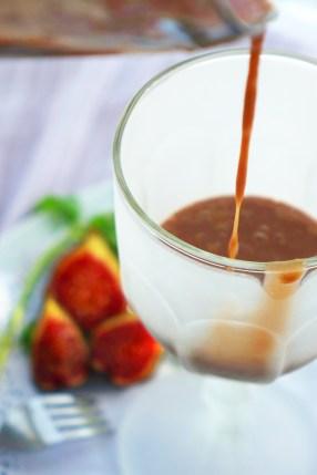 Batido de chocolate con plátano e higos
