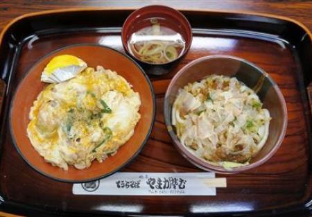 藤井聡太六段の師匠、杉本昌隆七段が昼食に注文したそば定食といなり寿司
