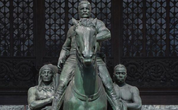 Por qué es correcto que caiga la estatua de Theodore Roosevelt