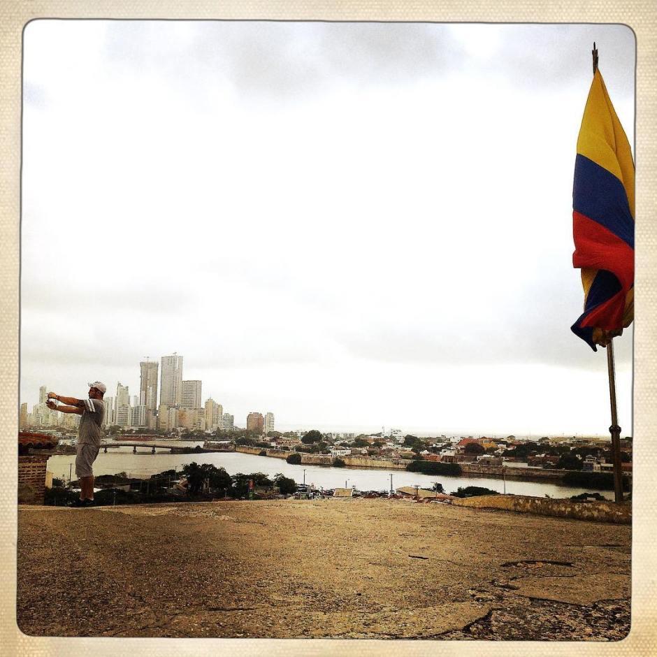 Selfie watching. #latergram #cartagena #colombia