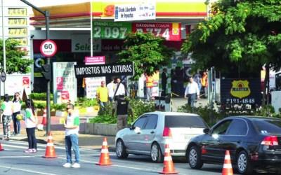 Gasolina será vendida a R$ 2,52 no Dia Livre de Impostos em BH