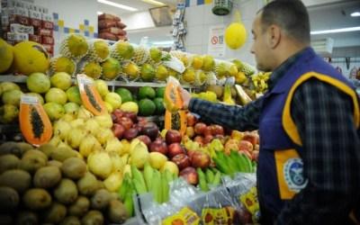 Anvisa afirma segurança de alimentos, mas 23% têm resíduos tóxicos