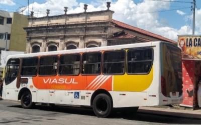 Alteração no trânsito e itinerário de ônibus será mantida nesta terça